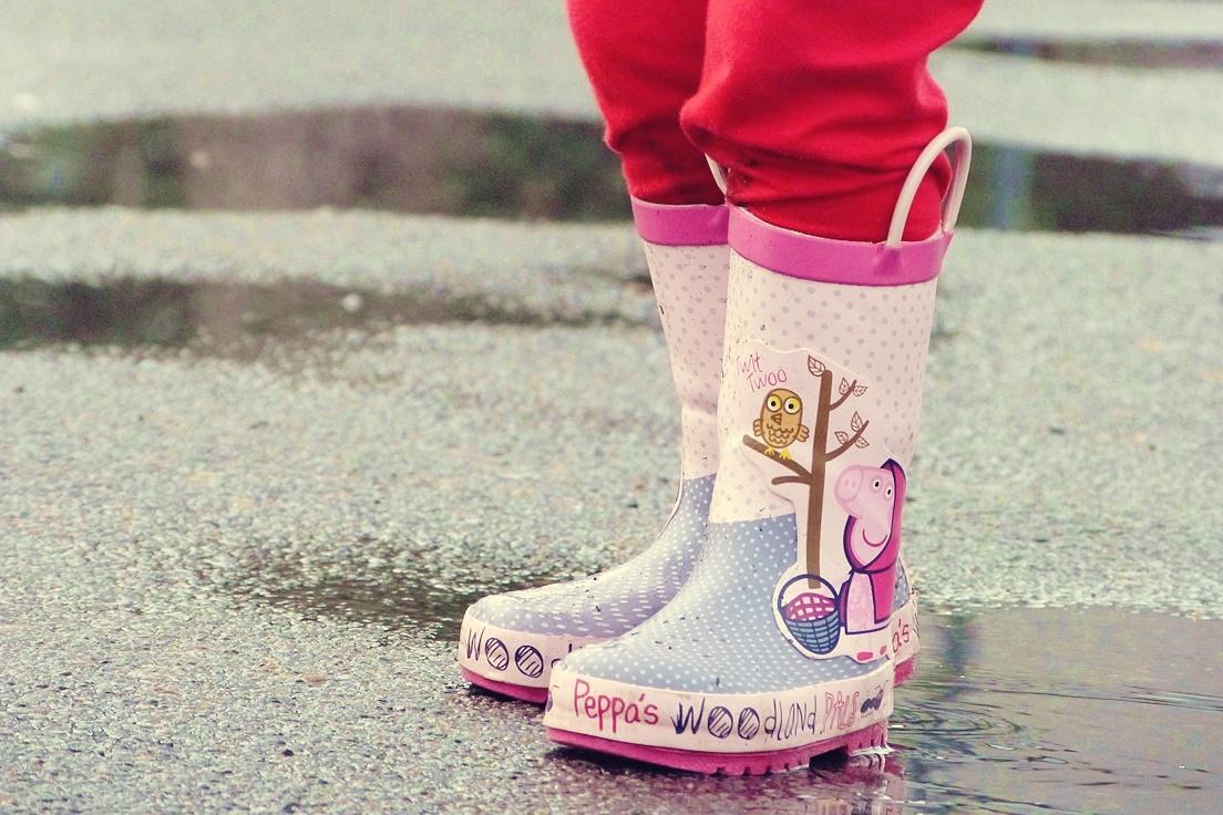 dlaczego dzieci kochaja brudne zabawy
