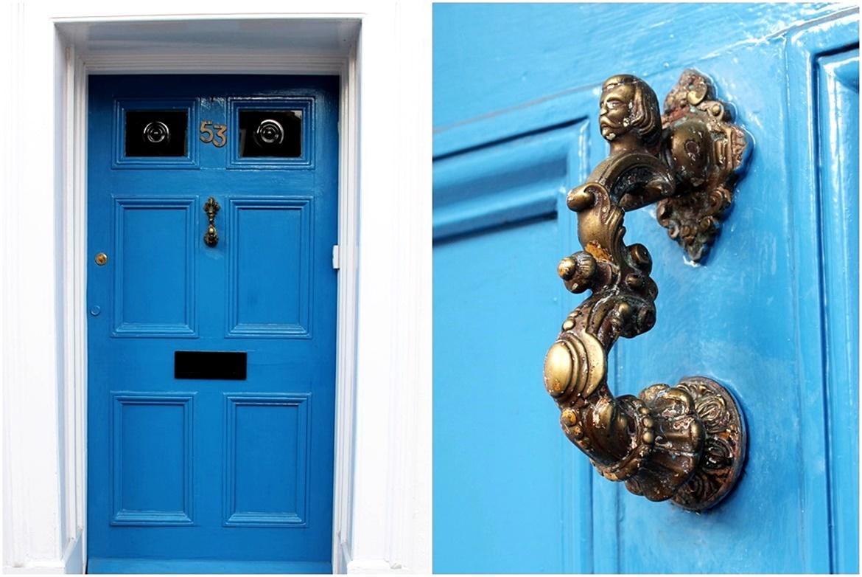 angielskie drzwi kołatki