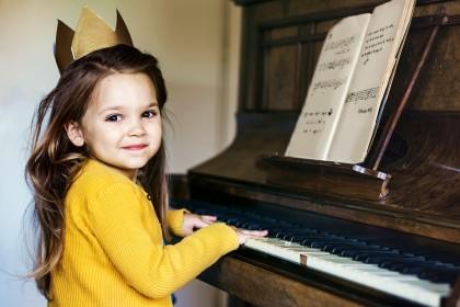 Bajka o Piosence i nutkach
